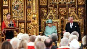 Isabel II pronuncia el discurso de la reina en nombre del Gobierno