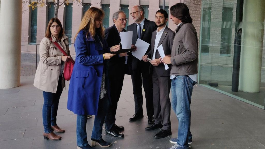 El presidente Quim Torra se autoinculpa por el 1-O, con el conseller Damià Calvet, Laura Borràs, Eduard Pujol, Gemma Geis y Francesc de Dalmases