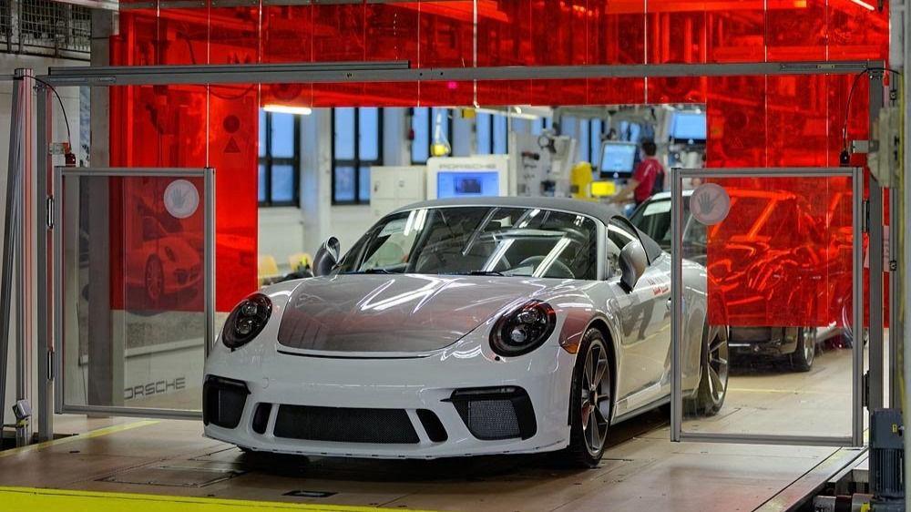 Imagen del Porsche 911 en la línea de producción