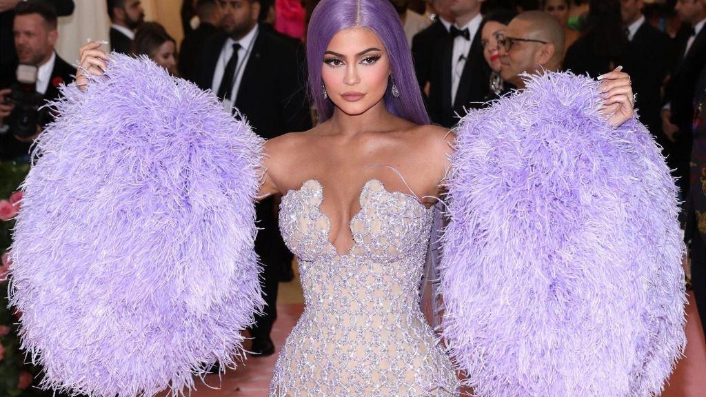 Kylie jenner reina de la cosmética, trae a España Kylie Skin