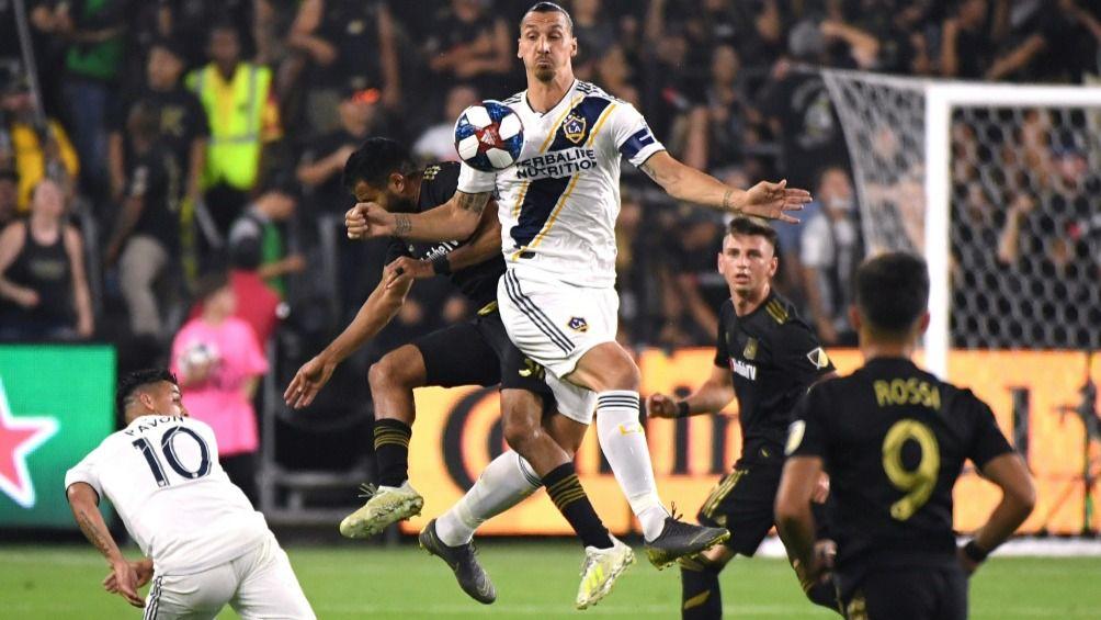 Libre desde su salida de Los Angeles Galaxy, el atacante de 38 años debería estar disponible para el próximo encuentro del AC Milan, el 6 de enero frente a la Sampdoria