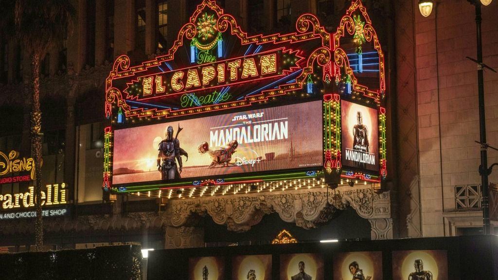"""Antes del estreno de la serie """"The Mandalorian"""" su creador ya había mencionado que existiría una segunda temporada, pero la confirmación y la fecha de estreno fue de todos modos recibida con entusiasmo por los seguidores de """"Star Wars"""""""