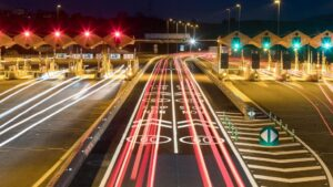 Carriles Via T sin barreras del peaje de la AP-7 en La Roca del Vallès
