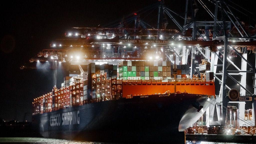 En el puerto de Hamburgo, el transporte marítimo será menos nocivo para el medio ambiente a partir de 2020. Según una normativa, el contenido de azufre en el combustible para los motores diésel a bordo deberá ser mucho menor