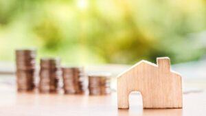Hipoteca vivienda casa dinero monedas se vende se alquila