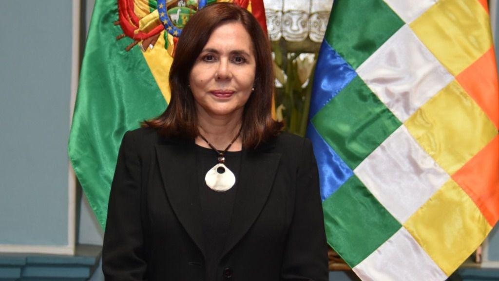 La ministra de Exteriores interina de Bolivia, Karen Longaric