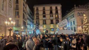 Concentración en la plaza Sant Jaume de Barcelona por la decisión de la JEC de inhabilitar al presidente del Govern, Quim Torra