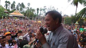 El líder opositor del prohibido Partido de Rescate Nacional de Camboya (CNNP), Kem Sokha