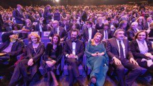 La directora de la Acadèmia del Cinema Català, Isona Passola, junto a las autoridades políticas que han asisitido a los XII Premis Gaudí