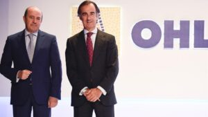 El presidente de OHL, Juan Villar-Mir, y el consejero delegado, Juan Antonio Fernández Gallar