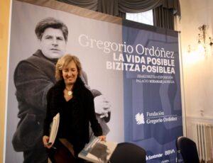 La viuda de Gregorio Ordóñez y presidenta de la 'Fundación Gregorio Ordóñez Fenollar', Ana Iribar, en la presentación de la exposición que conmemora el 25 aniversario del asesinato de su marido, por la organización terrorista ETA