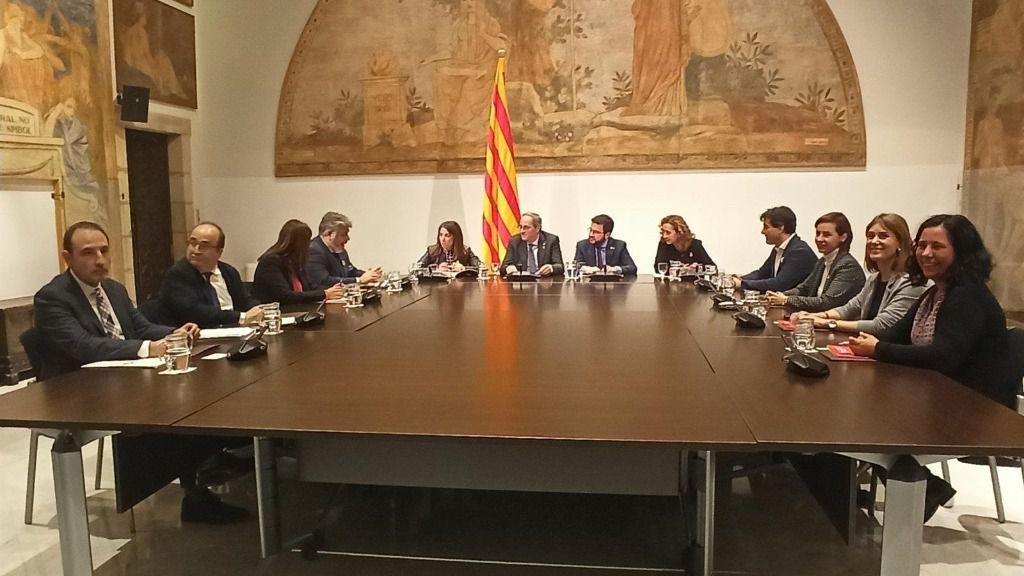 El presidente de la Generalitat, Quim Torra, encabeza la reunión de la mesa de diálogo de partidos catalanes