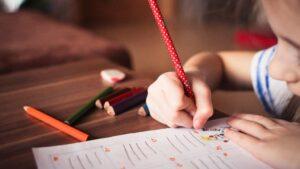 Educación aula clase alumno