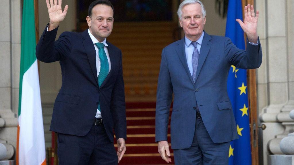 Leo Varadkar y Michel Barnier