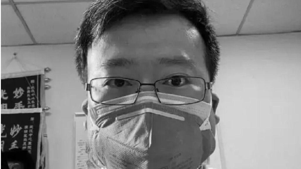 El médico chino Li Wenliang, uno de los ocho médicos que alertó sobre la aparición del nuevo coronavirus