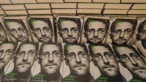 Libro de Edward Snowden