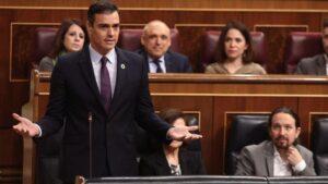 El presidente del Gobierno, Pedro Sánchez, responde a la pregunta del presidente del PP