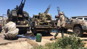 Combatientes de una milicia de Misrata leal al Gobierno de Libia en Trípoli