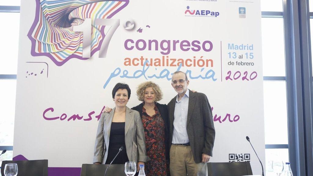 De izquierda a derecha, la doctora María Jesús Esparza, la doctora Concha Sánchez Pina y el doctor César García Vera