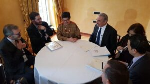 La ministra de Exteriores de España, Arancha González Lara, y el primer ministro palestino, Mohamed Shtaye