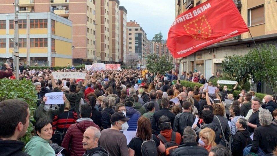 Miles de personas denuncian la gestión de las administraciones en el derrumbe de Zaldibar y reclaman dimisiones