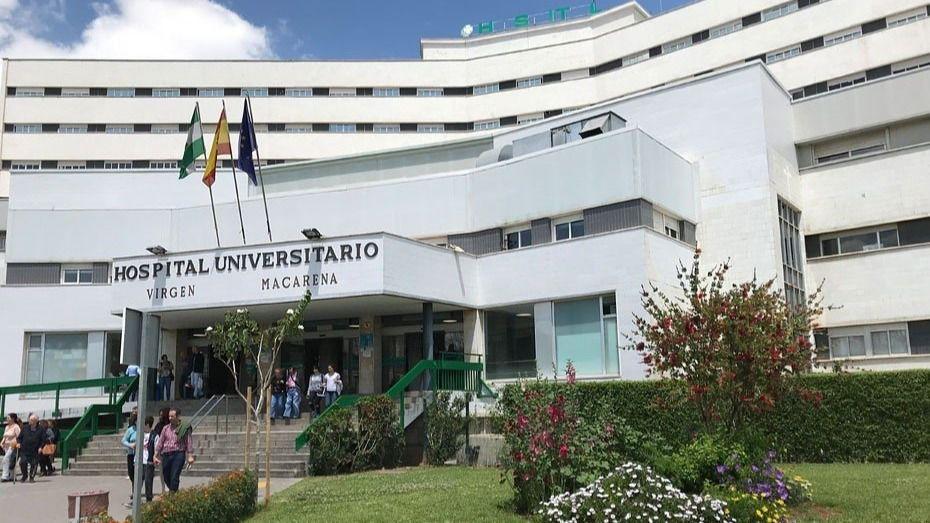 Fachada del Hospital Macarena de Sevilla