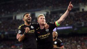 De Buryne y Mahrez celebran el segundo tanto del City en el Bernabéu