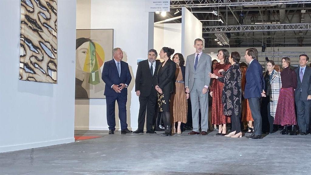 Visita de S.M. Los Reyes junto a las autoridades a las galerias de Francesa Minini y Massimo Minini en ARCO 2020