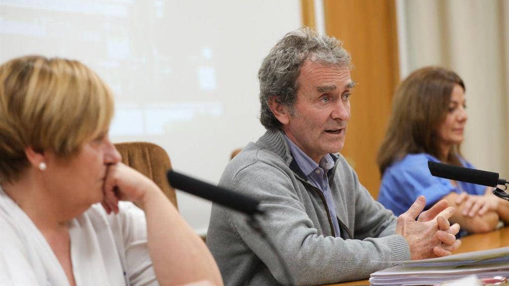 El director del Centro de Coordinación de Alertas y Emergencias Sanitarias, Fernando Simón, en rueda de prensa para explicar la evolución de las personas en cuarentena por riesgo de contagio de Coronavirus, en el Hospital Gómez Ulla de Madrid
