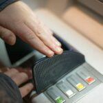 Los bancos vuelven a apretar el acelerador de las comisiones tras el bajón del año pasado