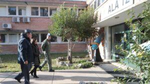 La ministra de Defensa, Margarita Robles, en una visita al Ala 12 en Torrejón de Ardoz