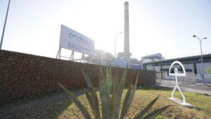 Entrada de la central Litoral de Endesa en Carboneras (Almería)