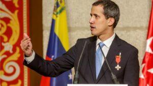 El presidente de la Asamblea Nacional Venezolana, Juan Guaidó, en el acto de la Comunidad de Madrid donde recibe la Medalla Internacional de la Comunidad de Madrid
