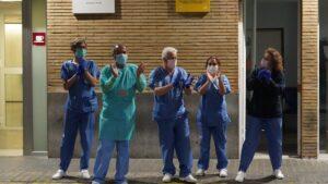 Personal sanitario del hospital Virgen del Rocio de Sevilla