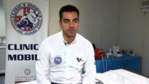 El director de la Clinica Mobile de MotoGP, Michele Zasa
