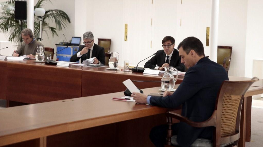 Pedro Sánchez, Salvador Illa y Fernando Simón