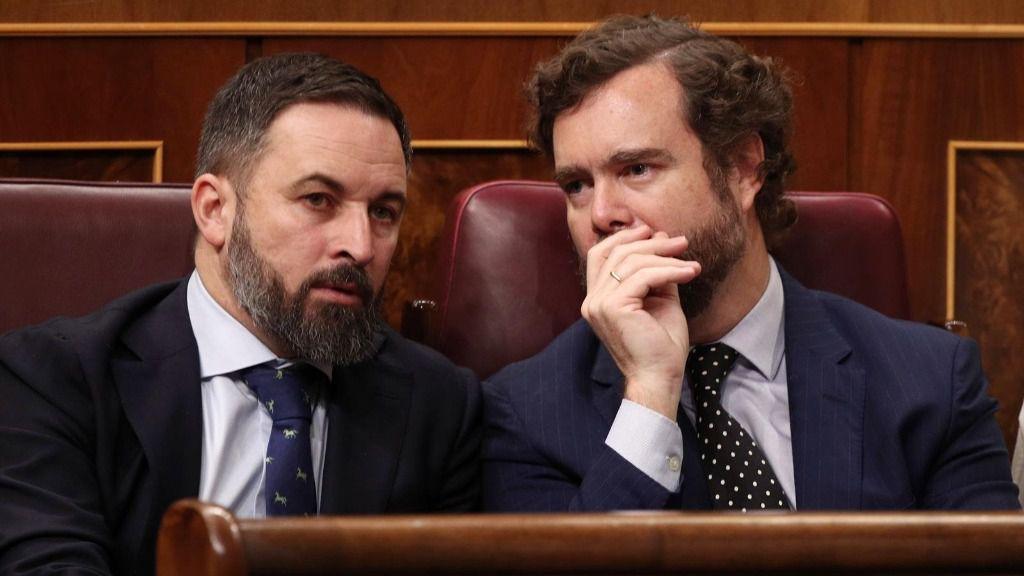 El presidente de Vox, Santiago Abascal, y el portavoz del partido en el Congreso de los Diputados, Iván Espinosa de los Monteros