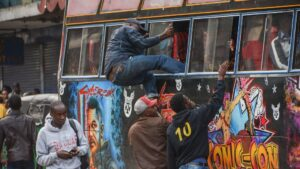 Autobús en Nairobi africa pobreza