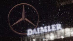 Logo de Daimler y de Mercedes-Benz.