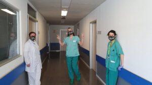 Obús donan mascarillas al Hospital Infanta Leonor de Vallecas