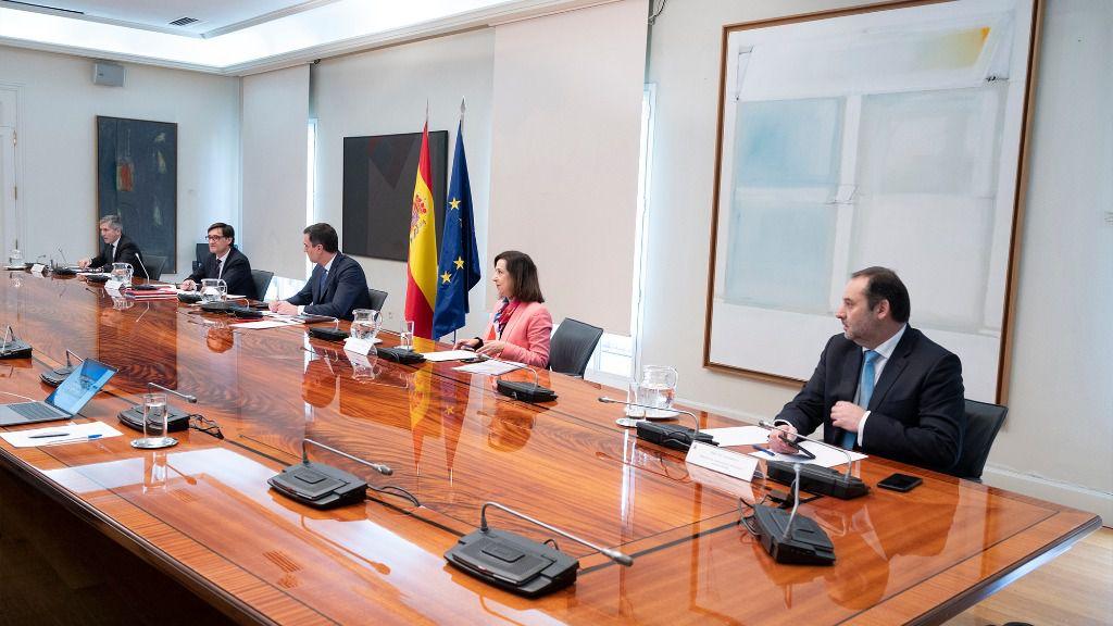 Pedro Sánchez, Margarita Robles, Salvador Illa, Fernando Grande-Marlaska y José Luis Ábalos