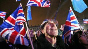 Partidarios del Brexit celebran el Brexit en la plaza del Parlamento