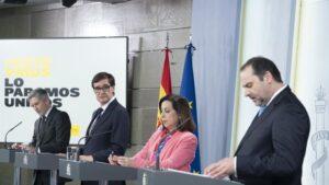 El ministro del Interior, Fernando Grande-Marlaska; el ministro de Sanidad, Salvador Illa; la ministra de Defensa, Margarita Robles