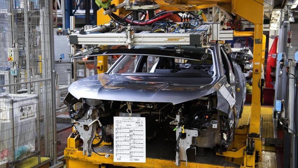 Línea de montaje de la planta de PSA Peugeot Citroën en Vigo.