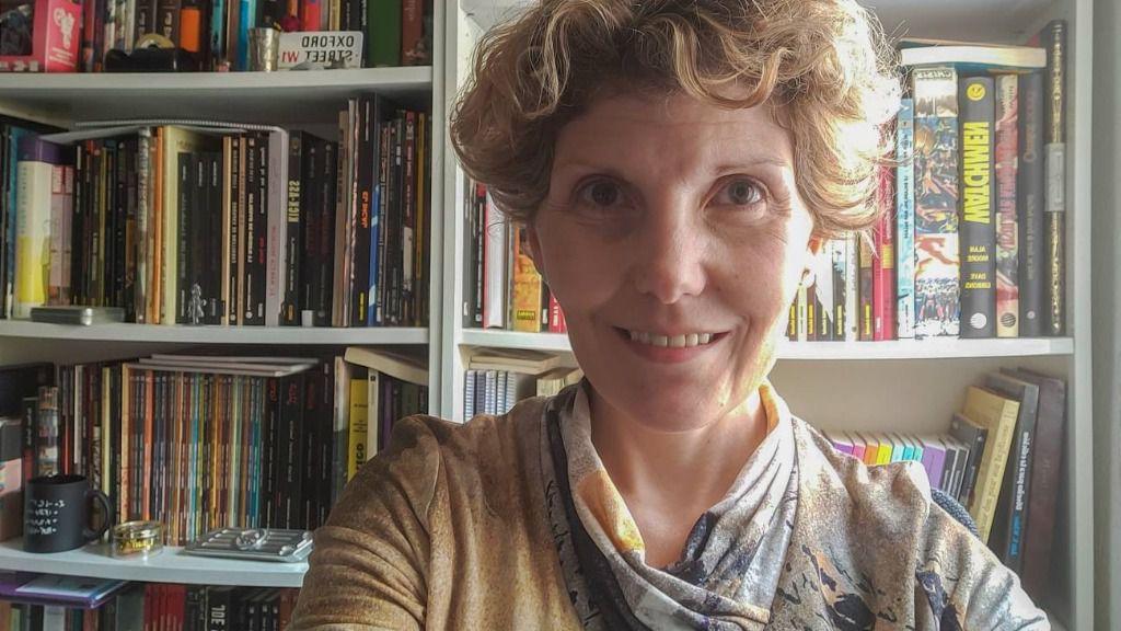 Laura Morrón, directora de la editorial Next Door Publisher