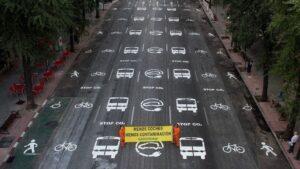 Greenpeace reclama cambios en la movilidad que den más espacio al ciudadano en el desconfinamiento.