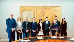 Comisión de seguimiento del acuerdo de coalición entre PSOE y Podemos con Iván Redondo, Félix Bolaños, Antonio Hidalgo, Miguel Ángel Oliver, Mª Isabel Valldecabres, Adriana Lastra, Juanma del Olmo, Pablo Echenique e Ione Belarra