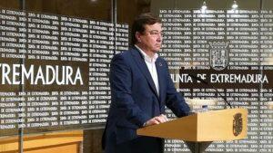 Fernández Vara en rueda de prensa para abrir el año 2020