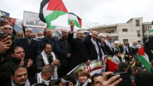 El primer ministro de Palestina, Mohamad Shtaye, durante una protesta contra el 'acuerdo del siglo' en Ramala, Cisjordania