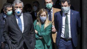 Antonio Tajani, Giorgia Meloni y Matteo Salvini, los líderes de los tres partidos de oposición de derecha en Italia